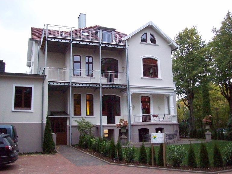 balkon stahl edelstahl 01 balkone leistungen edelstahl und metallbau schlosserei balsmeier. Black Bedroom Furniture Sets. Home Design Ideas