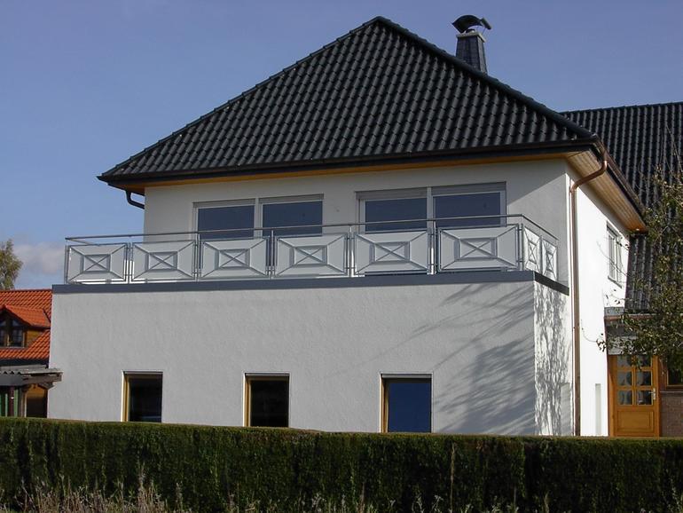 balkon aus stahl schlosserei georg kofler rimsting balkone gel nder heidacker edelstahlm bel. Black Bedroom Furniture Sets. Home Design Ideas