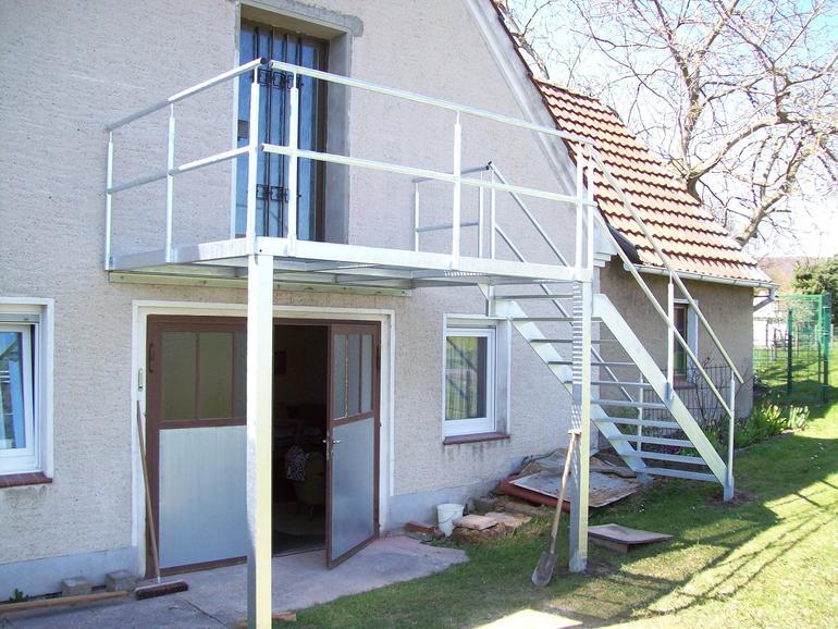 balkon stahl 01 balkone leistungen edelstahl und metallbau schlosserei balsmeier. Black Bedroom Furniture Sets. Home Design Ideas